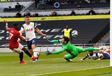 Soi kèo thẻ phạt Tottenham vs Man United, 23h30 ngày 30/10/2021